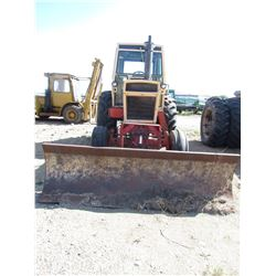 "TRACTOR (CASE 1070) *AGRIKING* (COMES WITH DOZER BLADE) *6800 HRS* (8 SPEED STANDARD) *23.1"" X 34"" T"