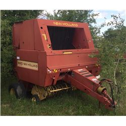 NEW HOLLAND 660 ROUND BALER (PARTIALLY DISASSEMBLED)