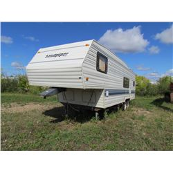 1994 26' Sand Piper By Cobra 5th wheel camper (Handy Man Special)
