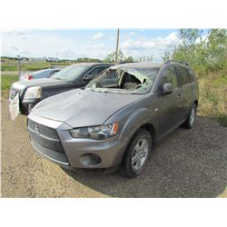 2013 Mitsubishi Outlander (grey) SALVAGE