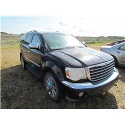 2008 Chrysler Aspen (black)