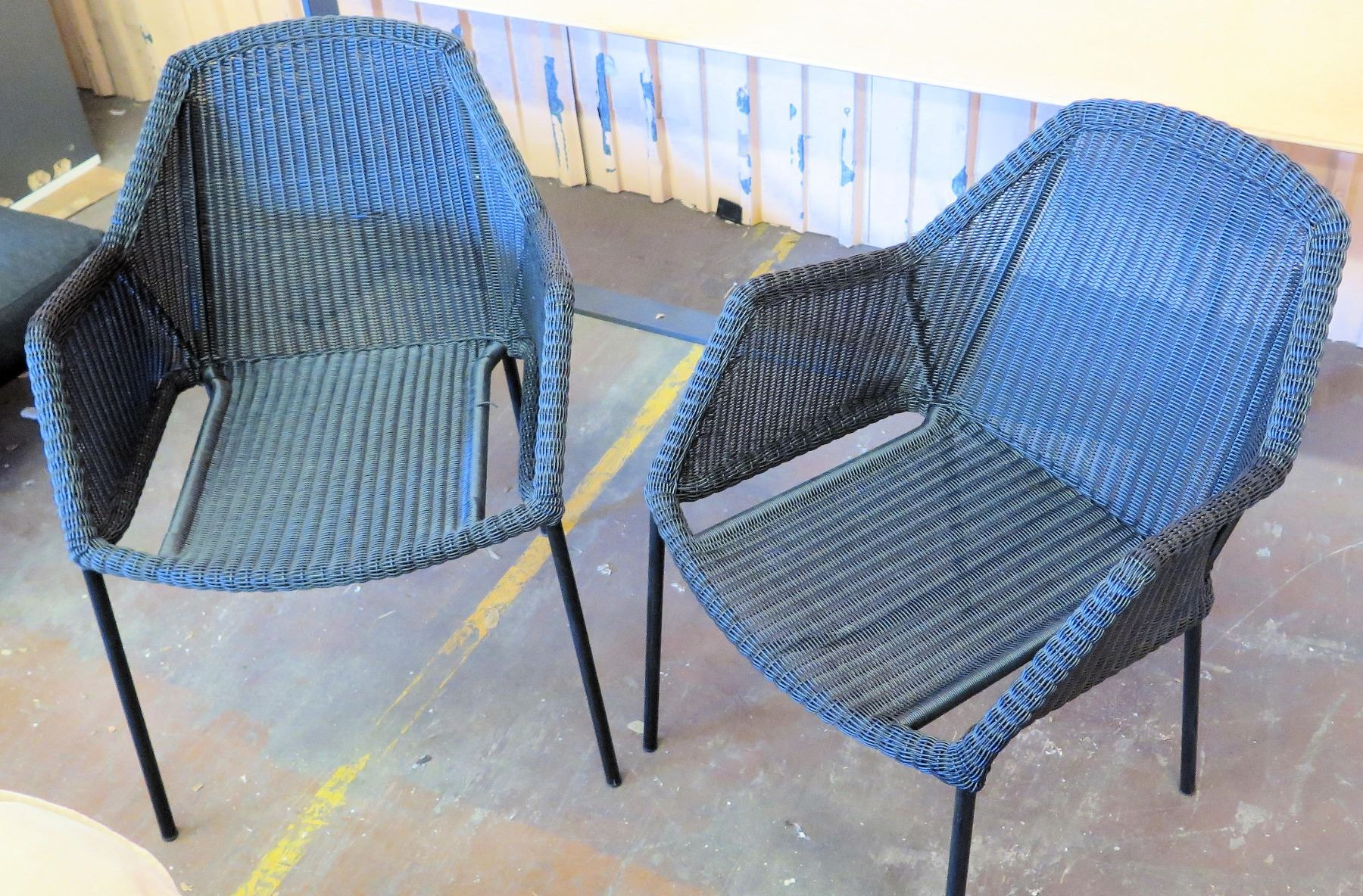 Phenomenal Qty 2 Cane Line Woven Outdoor Patio Chairs 24W Arm To Arm Ibusinesslaw Wood Chair Design Ideas Ibusinesslaworg