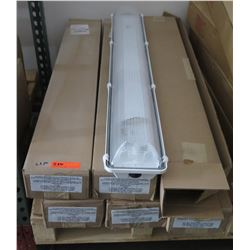 Pallet Multiple Boxes Columbia Lighting Fixtures Model XEM4-232-RA-EPU