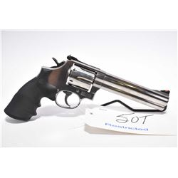 Restricted Handgun - Smith & Wesson Model 686 - 5 .357 Mag Cal 6 Shot Revolver w/ 152 mm bbl [ stain