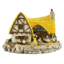 Snow White and the Seven Dwarfs Cottage Figure.