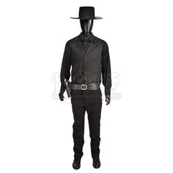 MAGNIFICENT SEVEN, THE (2016) - Chisolm's (Denzel Washington) Costume, Pistol and Rig