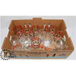 FLAT OF ASSORTED GLASSWARE INCLUDING PLAYING