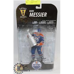 VINTAGE NHL HOCKEY MARK MESSIER FIGURINE.