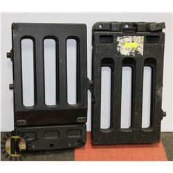 SET OF COLLAPSIBLE TAILGATE EXTENDERS