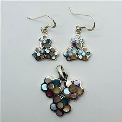 SILVER MOTHER OF PEARL EARRINGS & PENDANT SET