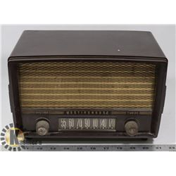 1940'S WESTINGHOUSE BAKELITE RADIO