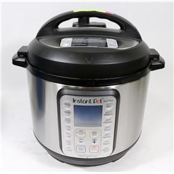 INSTA POT 6QT DUO PLUS, WITH CORD AND EXTRAS
