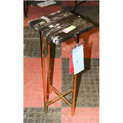 BOUTIQUE BRASS TONE AND MARBLE TOP MINI END T ABLE