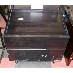 BOUTIQUE DAMAGED 2 DRAWER NIGHT STAND
