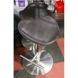 SET OF 2 TRACTOR SEAT STYLE HYDRAULIC STOOLS