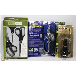 FLAT WITH CIRCUIT TESTER, SET OF SCISSORS, STEP