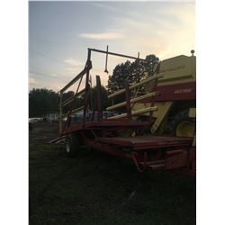 1977 New Holland Bale Picker, Good Paint, Stack Liner 1002, 52 Bale Capacity, Stored Inside, no use