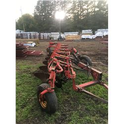 6 Bottom Melroe Plow W/ Colters, Model 900, Hyd Ram, not much use, very good shape