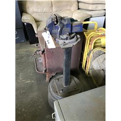 SHEFFIELD RECORD SO3 BENCH VISE ON STAND