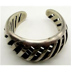 ANTIQUE MEXICO STERLING BANGLE WITH