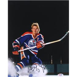Wayne Gretzky Signed Oilers 11x14 Photo (PSA Hologram)