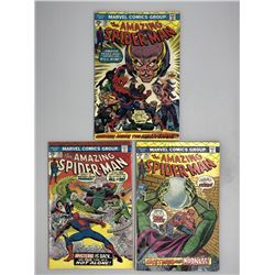 Lot of (3) 1974-75 Marvel Amazing Spider-Man 1st Series Comic Books with #138, #141  #142