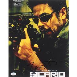 """Benicio del Toro Signed """"Sicario"""" 11x14 Photo (JSA COA)"""
