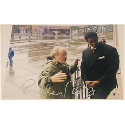 """Ridley Scott Signed """"American Gangster"""" 11x14 Photo (Beckett COA)"""