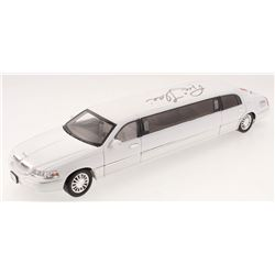 Ric Flair Signed Lincoln Limousine (Schwartz COA)