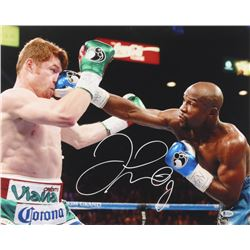 Floyd Mayweather Signed 16x20 Photo (Beckett COA)