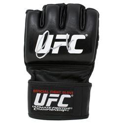 Conor McGregor Signed UFC Glove (Fanatics Hologram)