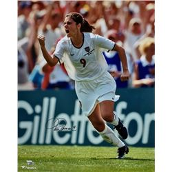 Mia Hamm Signed 16x20 Photo (Fanatics Hologram)