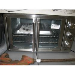USED OSTER FRENCH DOOR COUNTERTOP OVEN
