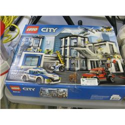 USED LEGO CITY POLICE STATION SET