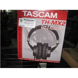 TASCAM TH-MX2 HEADPHONES