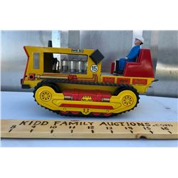 FUNKSTORBEREICH TIN TOY CONSTRUCTION TRUCK WITH WORKING PISTONS