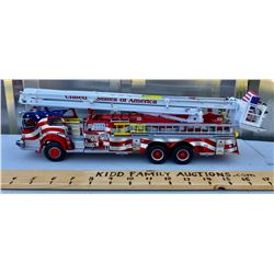 SCALE MODEL FIRE ENGINE