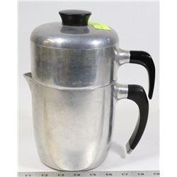 VINTAGE WEAREVER ALUMINUM DRIP COFFEE POT