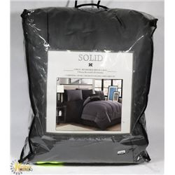 SOLID 9 PIECE QUEEN SIZE REVERSIBLE BED-IN-A-BAG