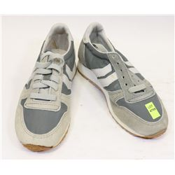 KIDS RUNNERS GREY SIZE 3 SHOES