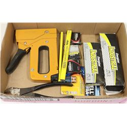 BATTERIES AND TOOLS FLAT