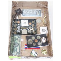 FLAT OF ASSORTED JEWELRY, COLLECTIBLES AND
