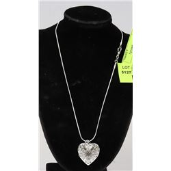 LADIES 3D HEART PENDANT AND NECKLACE SET