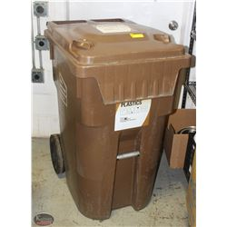 IPL LARGE INDUSTRIAL BROWN GARBAGE BIN W/ WHEELS