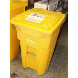 TOTER LARGE INDUSTRIAL YELLOW GARBAGE BIN W/ WHEEL