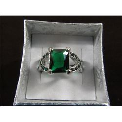 SILVER RHODIUM PLATED GREEN CZ RING