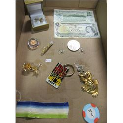 FLAT OF MISC JEWELRY & BANK NOTES