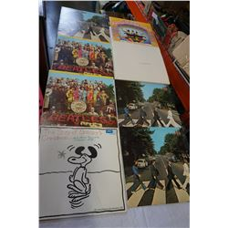 8 BEATLES RECORDS AND SNOOPY
