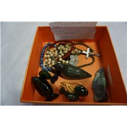 TRAY OF BC JADE AND JADE FIGURES AND JEWELRY
