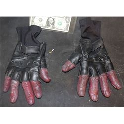 HELLBOY LIKE HANDS WITH FINGERLESS GLOVES WEARABLE